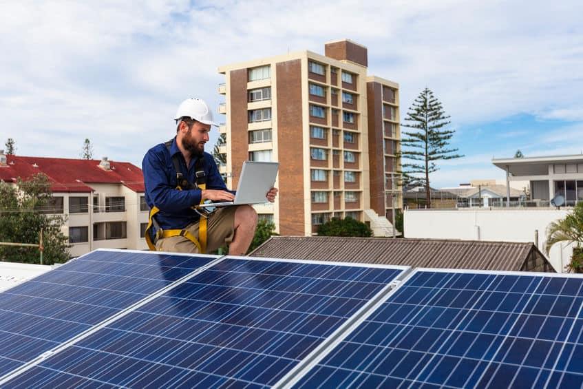 Tecnico ecolia impianto fotovoltaico